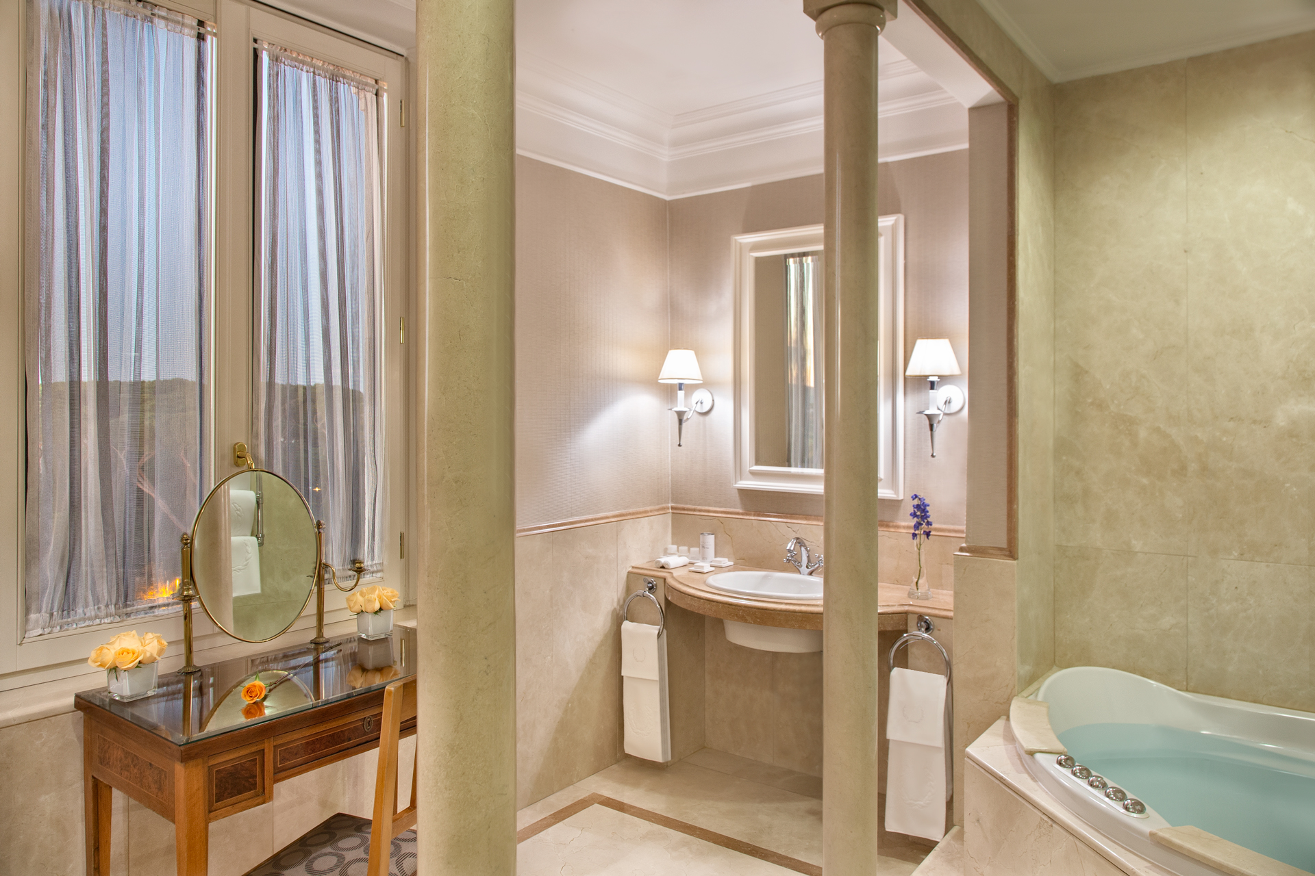 bagno_presidential_rome_marriott_grand_hotel_flora