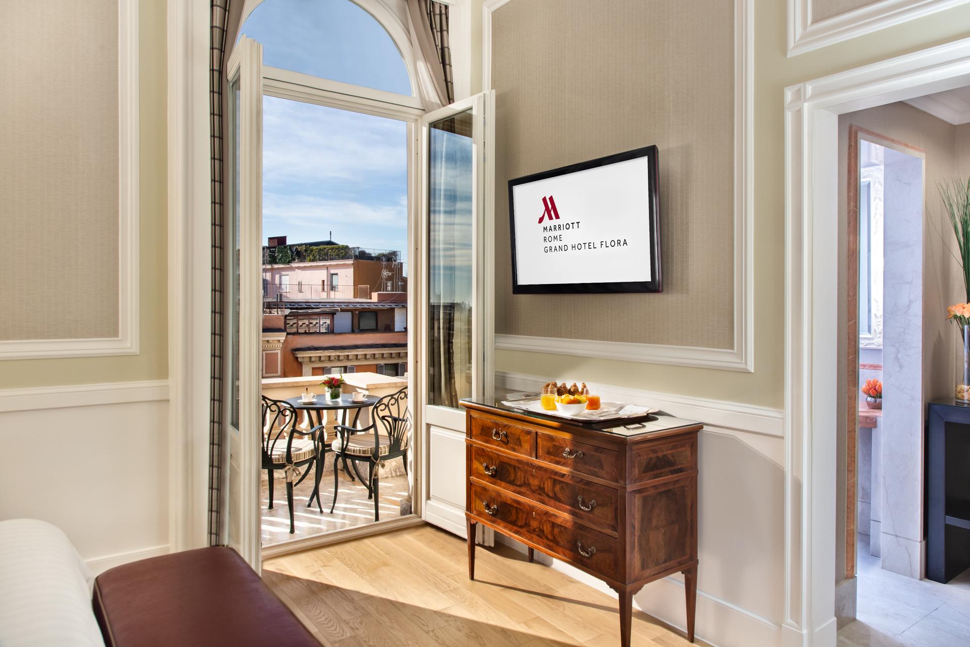 scorcio_suite_hf_rome_marriott_grand_hotel_flora