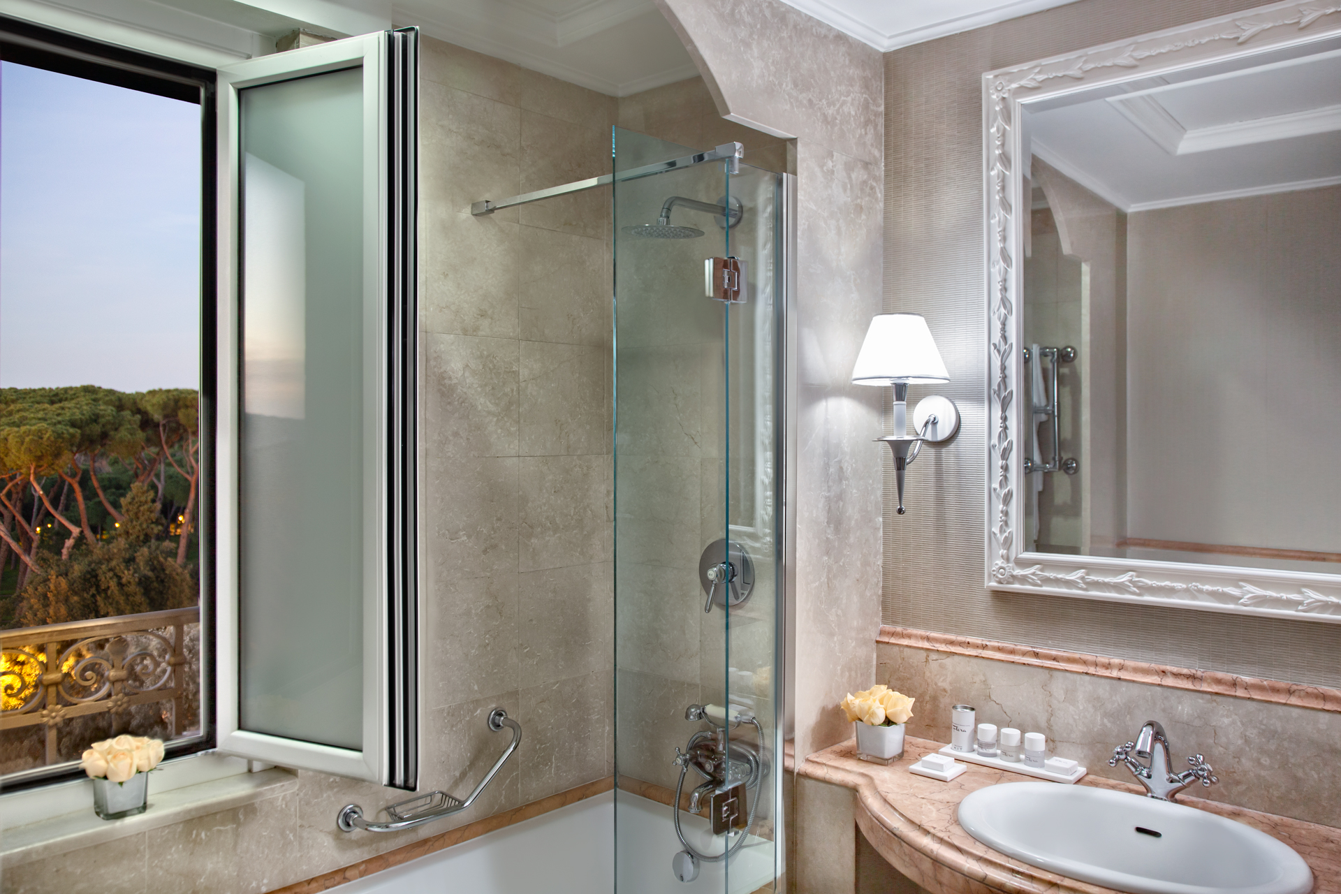 bagno_superior_hf_rome_marriott_grand_hotel_flora