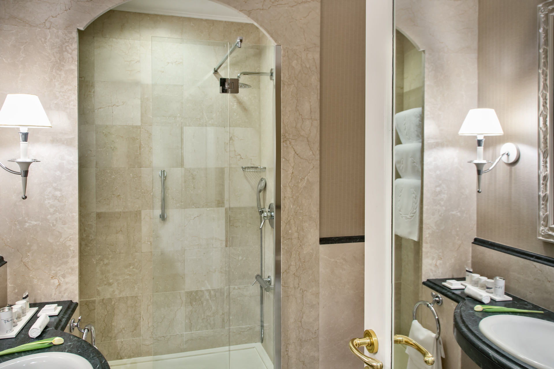 bagno_suite_rome_marriott_grand_hotel_flora