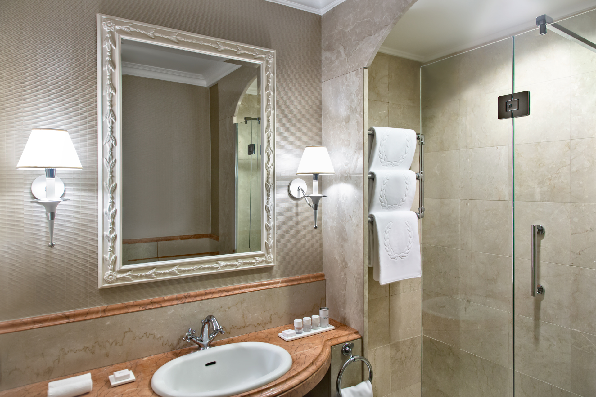 bagno_superior_rome_marriott_grand_hotel_flora